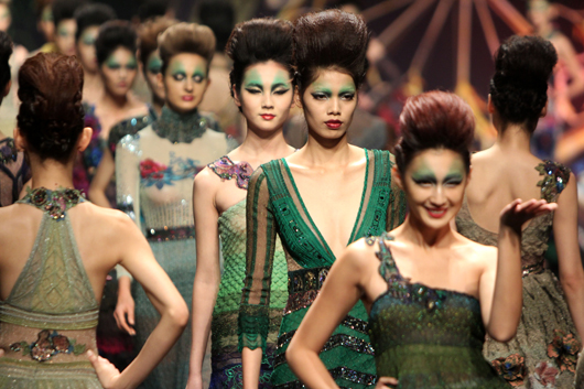 China Fashion Week S/S 2012: DengHao Haute Couture Collection Show