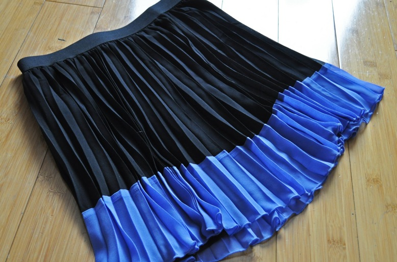 4 HM Block Colour Pleated Skirt