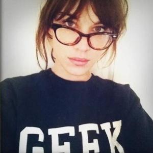 alexa-chung-geek-glasses-giveaway