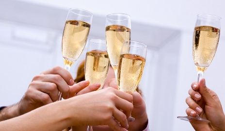 champagne-toast_iStock_000010749608Small